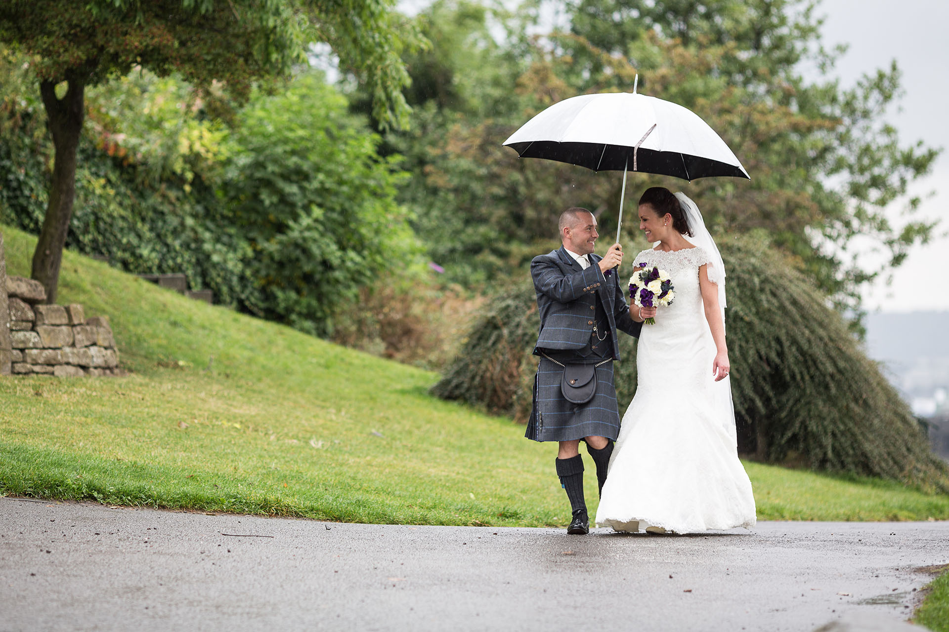 Mansfield Traquair Wedding Photographer - Garry and Lynsey